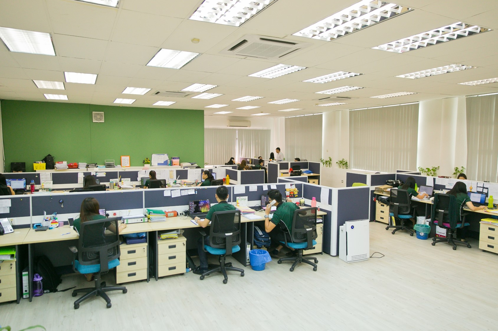 open-concept office-2