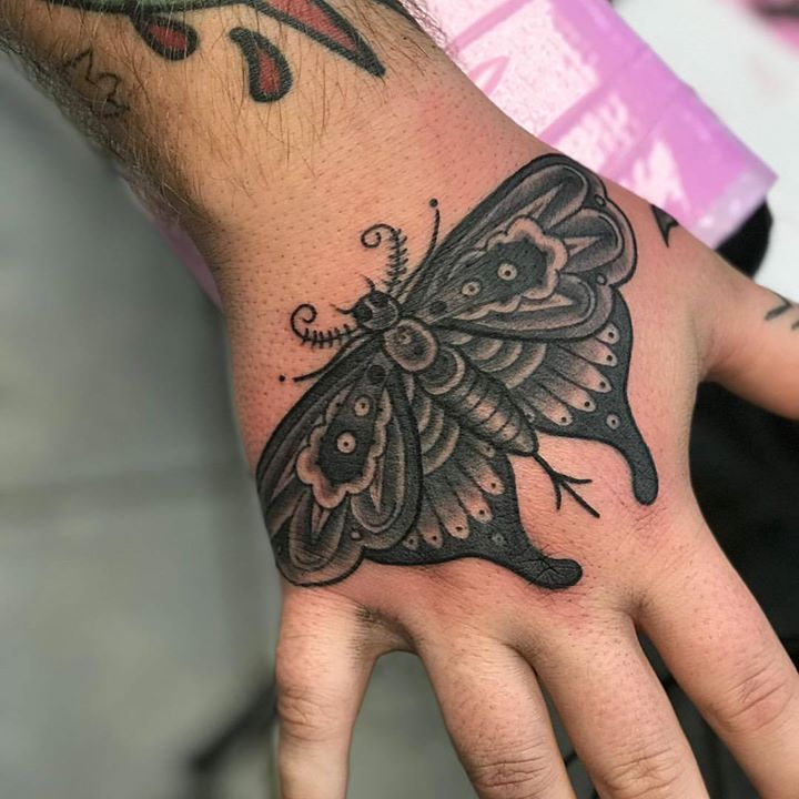 #blackandgreytattoo #blackandgrey #butterfly #moth #traditionaltattoo #traditional #spektraedge _ste