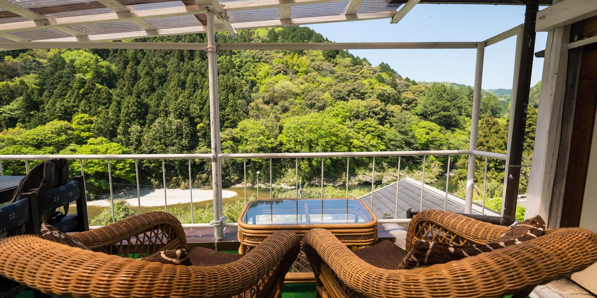 shikoku-guesthouse-momonga (69)-min.jpg