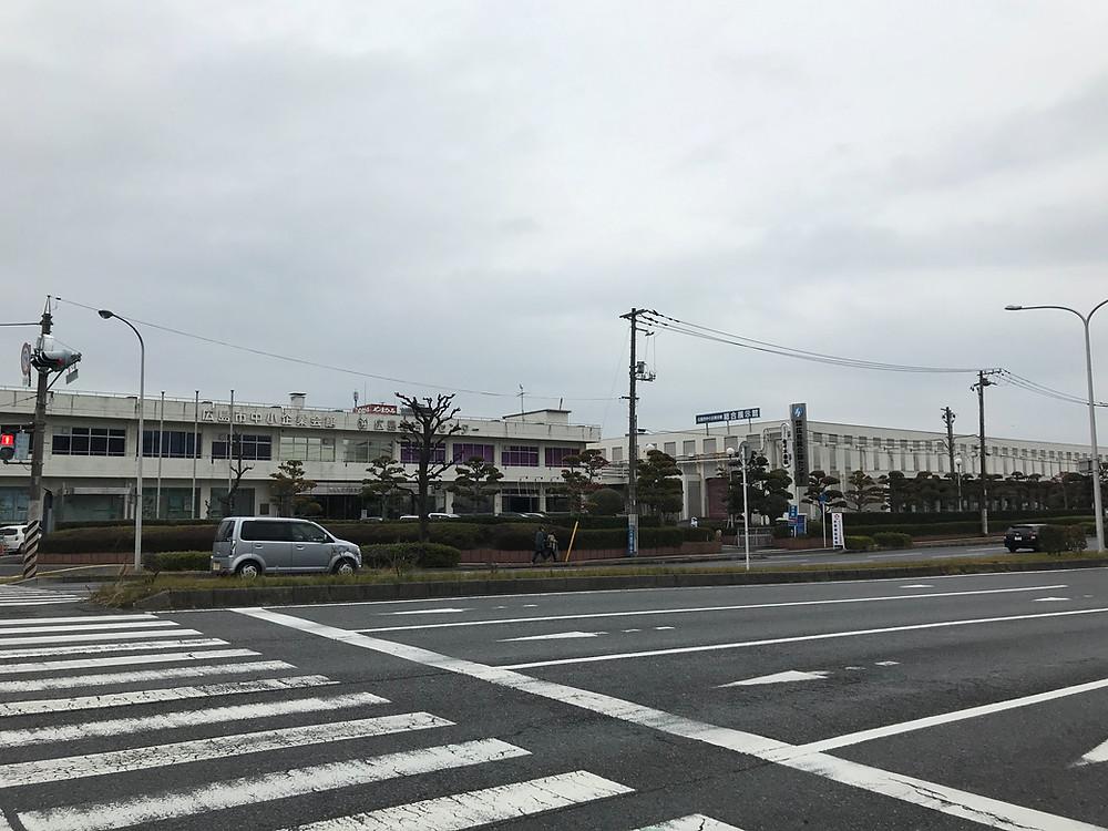 広島市中小企業会館総合展示館の建物遠景