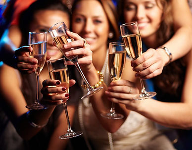 Girls-at-party-corporate-events-1000x781