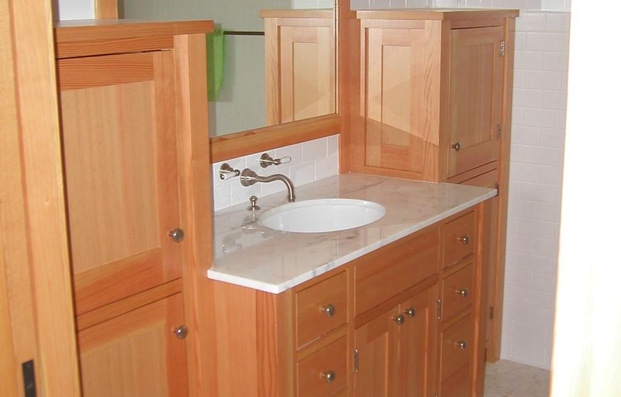 Log Home Bath.jpg
