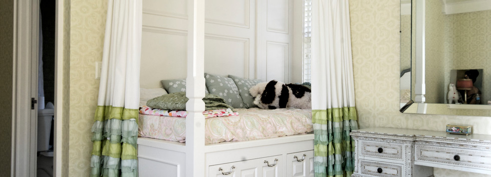 Built in bed.jpg