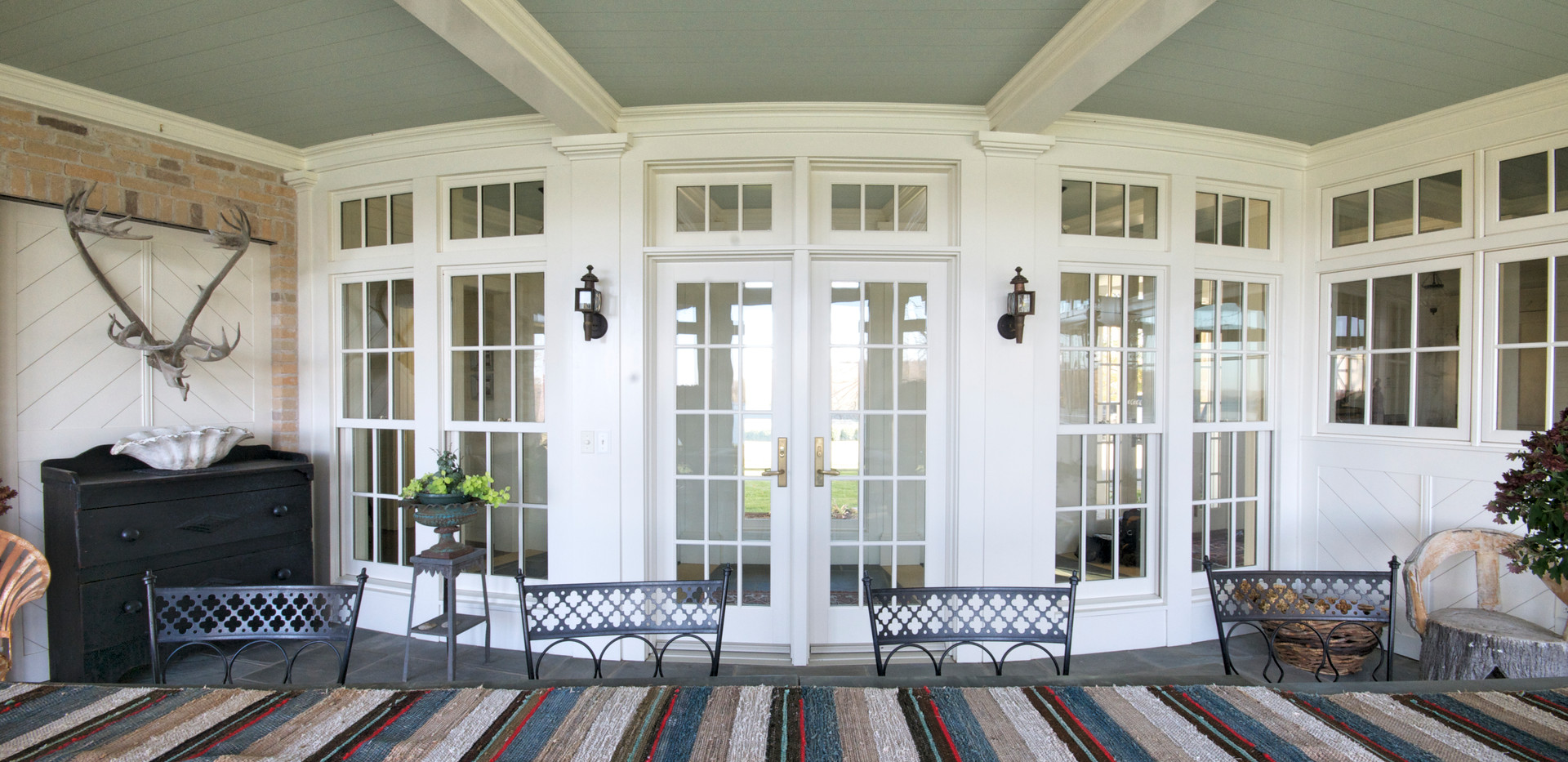 Curved Screen Porch.jpg