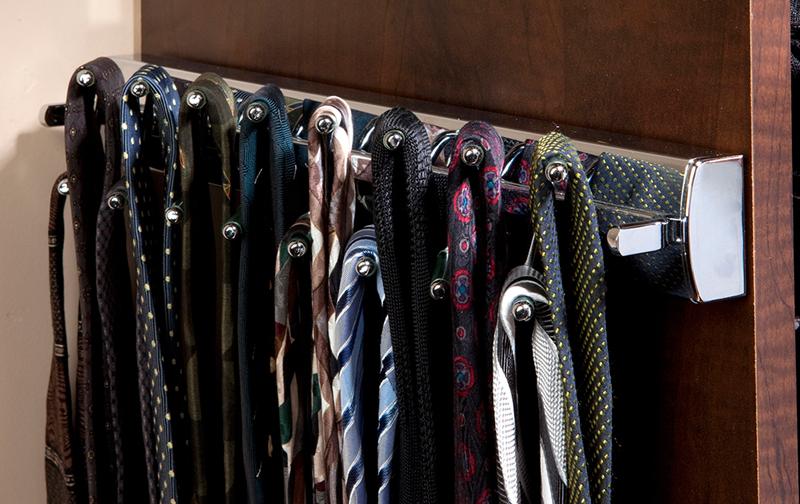 Pullout Swivel Tie Rack