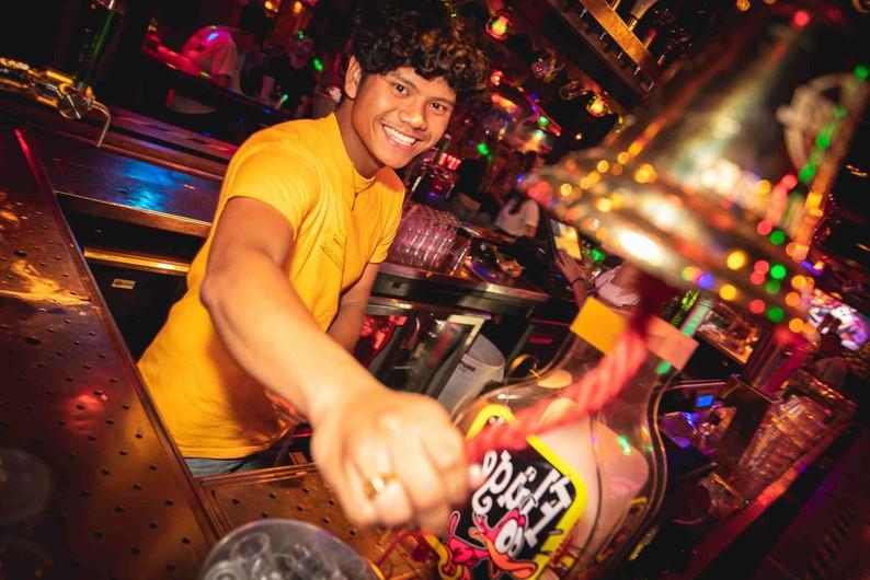 Barmedewerker bijbaan