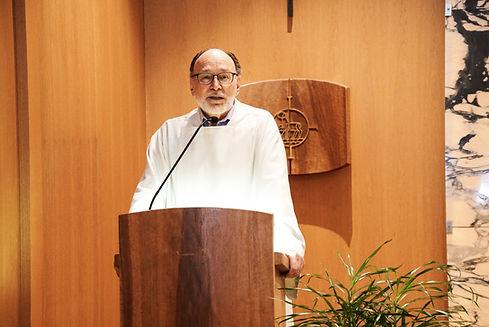 Peter Mueller in Kapelle.jpg