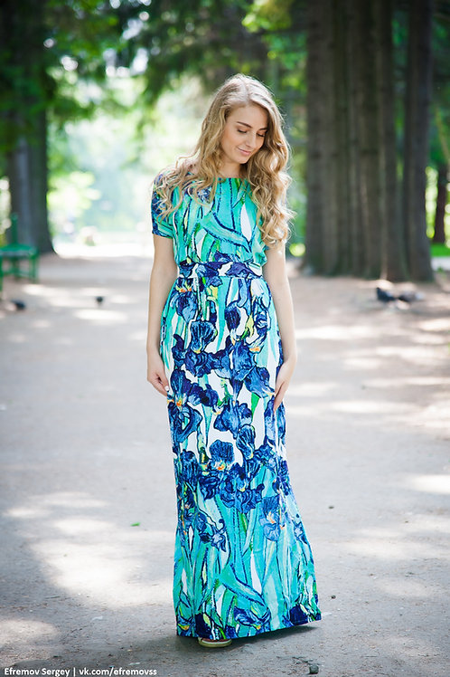 Платье с ирисами