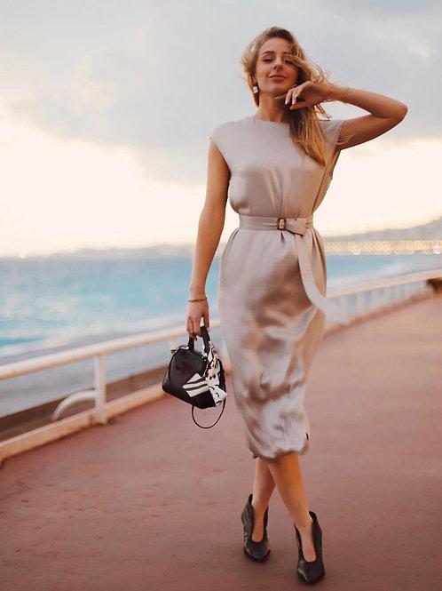 Платье с вырезом на груди или спине