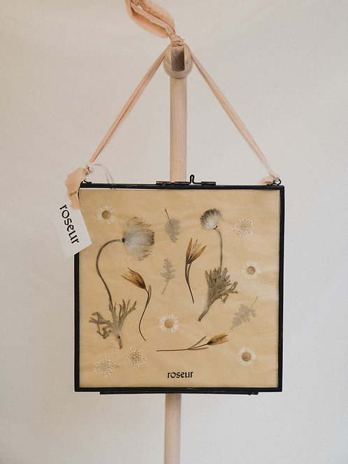 Pressed Flower Frame - floating forest 1 (medium)