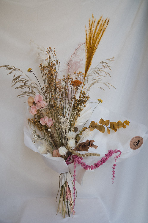 Dried flower bouquet (Beige and pink)