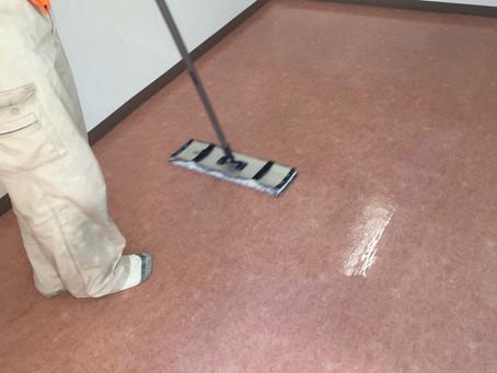 処方箋薬局の床クリーニング