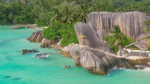 La Digue, em Seychelles, combina praias paradisíacas e natureza intocada!