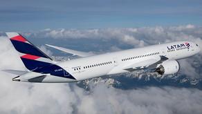 """LATAM é eleita a """"melhor aérea da América do Sul"""" e """"a mais pontual"""" no """"Oscar"""" da aviação mundial!"""