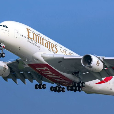 A icônica aeronave A380 da Emirates volta aos céus do Brasil no fim de outubro!