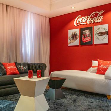 Hotel Mabu lança quarto temático oficial da marca Coca-Cola!