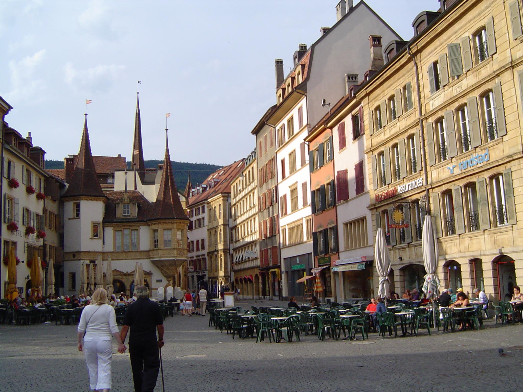 Neuchatel_ville_suisse_072005