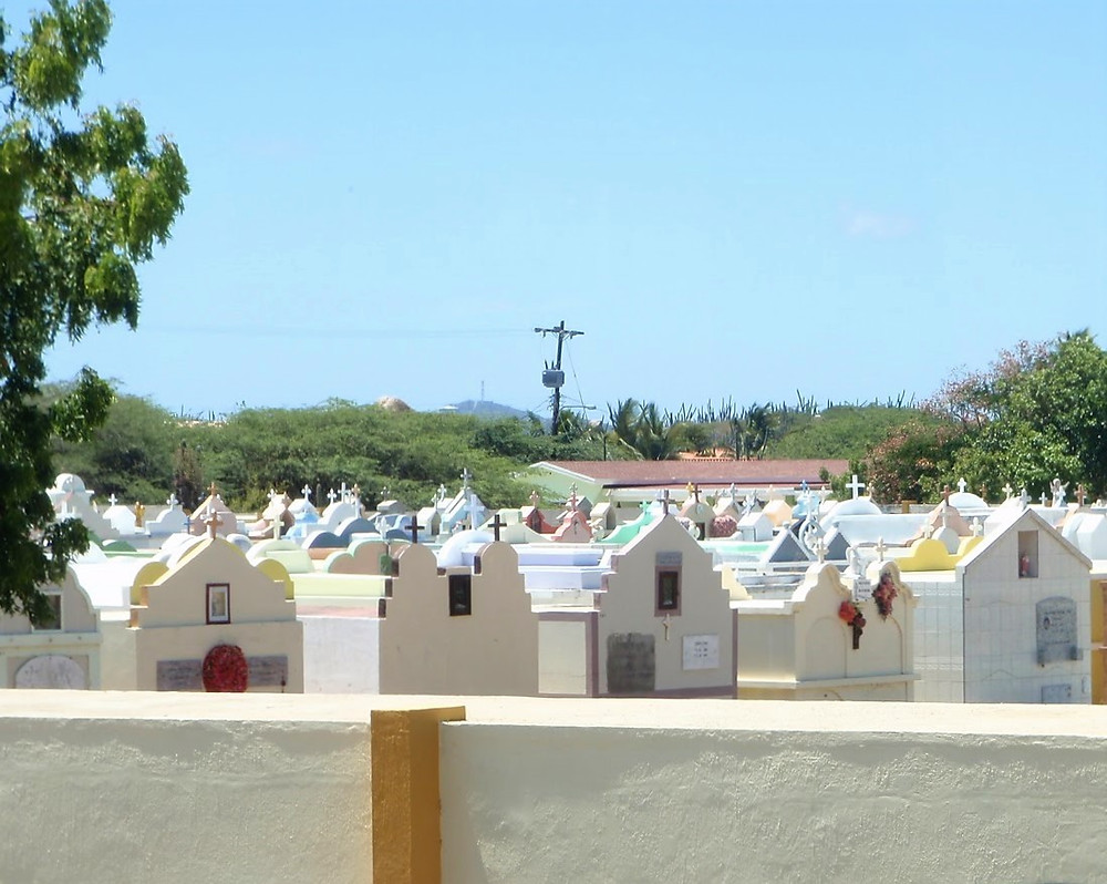 Colors and Crosses in Aruba