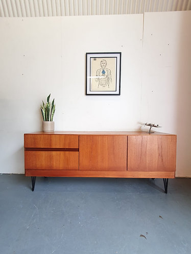 S Form Sideboard