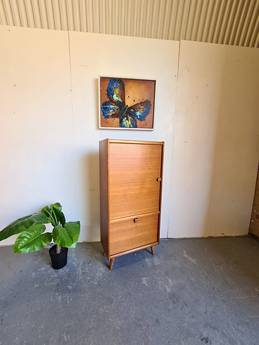 Mid Century Storage Unit With Cocktail Cabinet