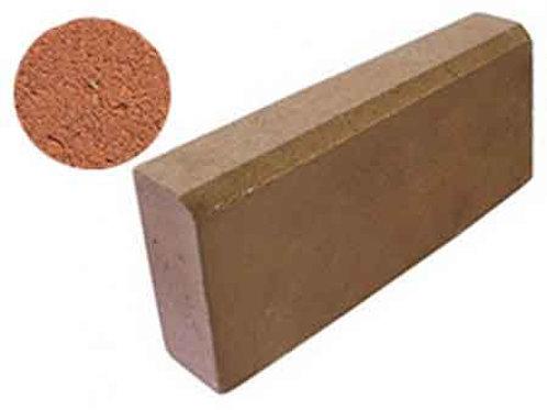 Бордюрный камень бетонный красный 3%