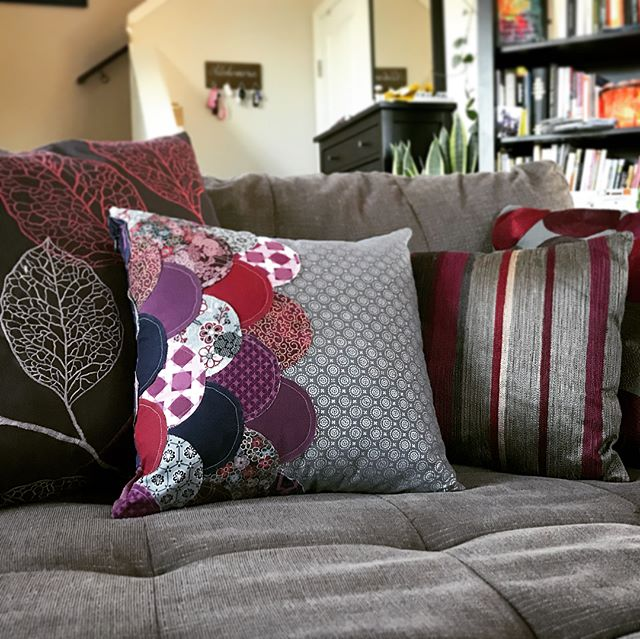 Made two pillows in my curve sewing class this weekend! I ended up making two because I decided to u