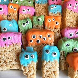 Monster crispies! Yummy Halloween! #halloween #baking #homemade #confections #monsters #grrargh
