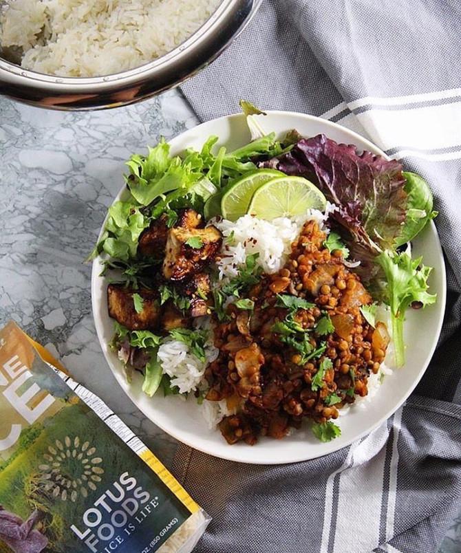 Recipe: Sautéed Curry Lentils and Mushrooms⠀