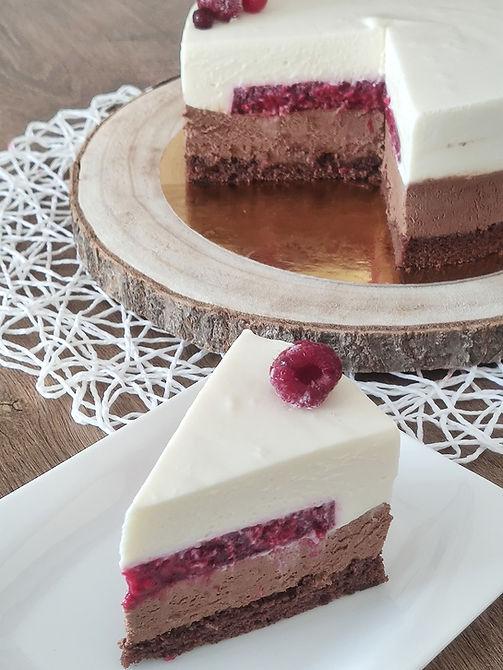 Čokoladna torta z malinami, Čokolada z malinami, Malinova torta, Čokoladna torta, Cake o clock, Urška peče