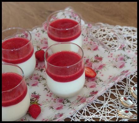 Panna cotta z grškim jogurtom
