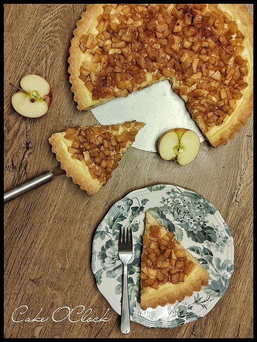 jabolčna pita z vanilijevo kremo,jabolčna pita, pita z jabolki, urška peče