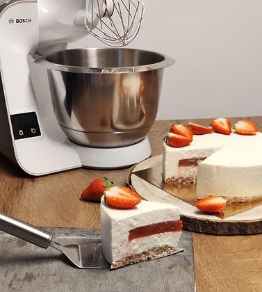 Bosch mum5 scale, urška peče, cake o clock