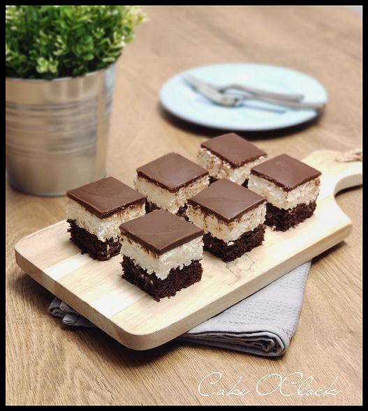 čokoladne koce s kokosom in kislo smetano, čokoladne kocke s kokosom, čokoladne kocke s kislo smetano