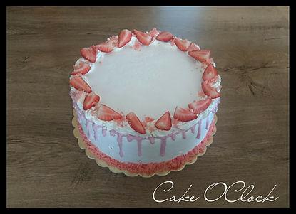 jagodna torta s kokosom, jagodna torta z jogurtom kokosova torta z jagodami, jagodna torta, cake o clock urška peče, cake o clock, cake o'clock, urška peče