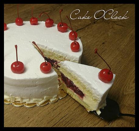 vanilijeva torta z višnjami