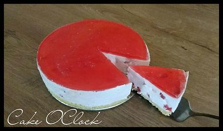 jagodna torta, jagodna torta brez peke, torta brez peke, torta z jagodami, jogurtova torta, torta z jogrtom, torta z jagodami
