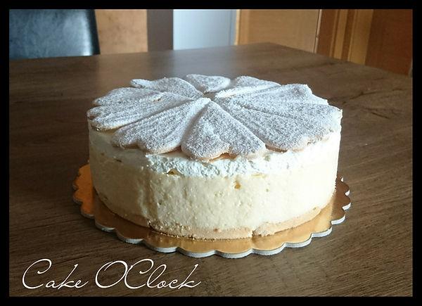 kremšnita, torta kremšnita, kremšnita brez peke, hitre krmšnite, cake o clock, urška peče