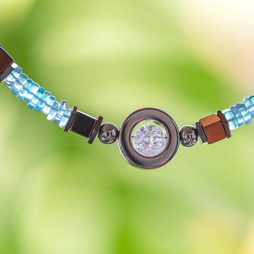 Armband mit Edelsteinen und Edelstahl