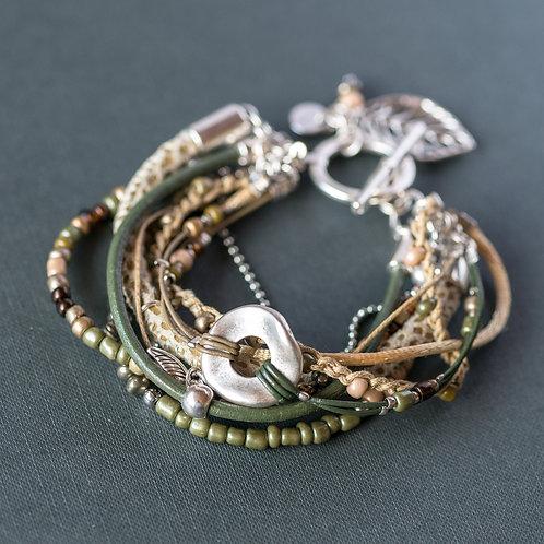 Trendiges Multi-Strang-Armband