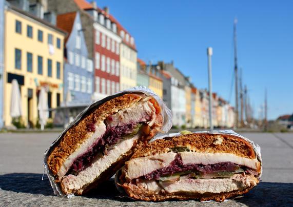 Flæskestegssandwich i Nyhavn
