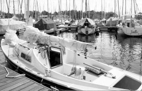 segelboot_350_225_grau.jpg