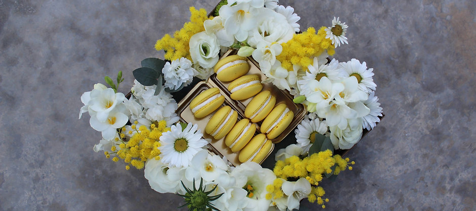 FLOWERS BAGBOX WHITE