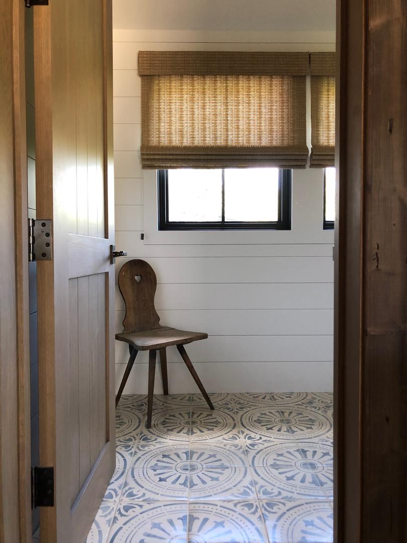 6.guestbath.jpg