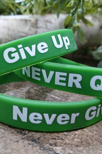 Never Quit - Never Give Up Wrist Band