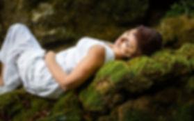 Une séance photo portrait nature qui s'est déroulée au moulin de Tournal à Creissels dans l'Aveyron avec Sophie
