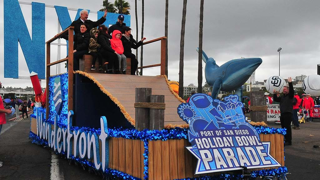 Holiday Bowl Parade - San Diego