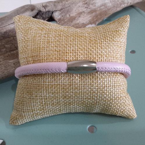 Powder pink leather bracelet