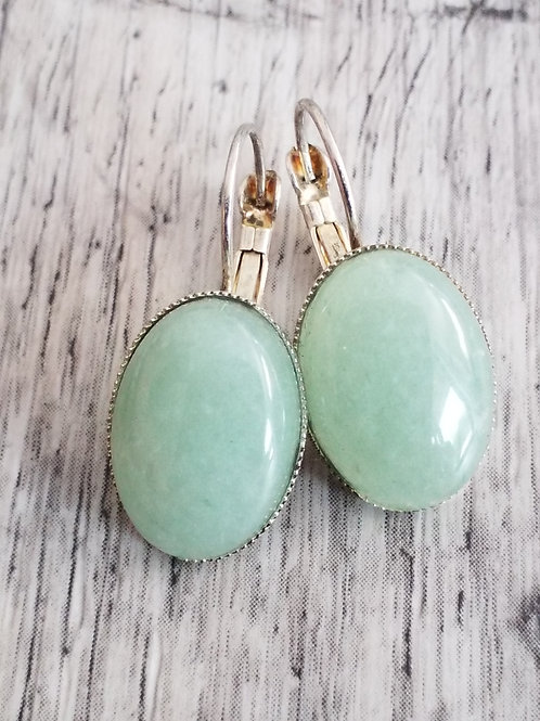 Light green stone ear rings