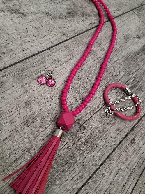 Bright pink tassel necklace