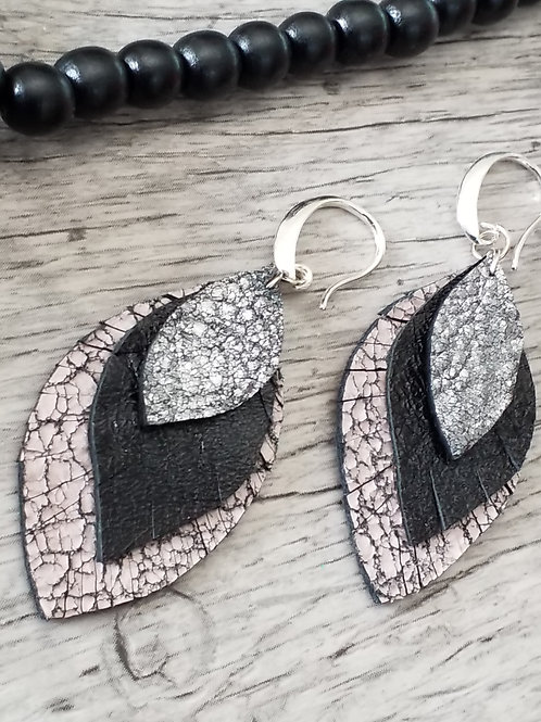 Cracked leather earrings